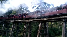 File:20150925 Puffing Billy at Monbulk Creek trestle bridge.ogv