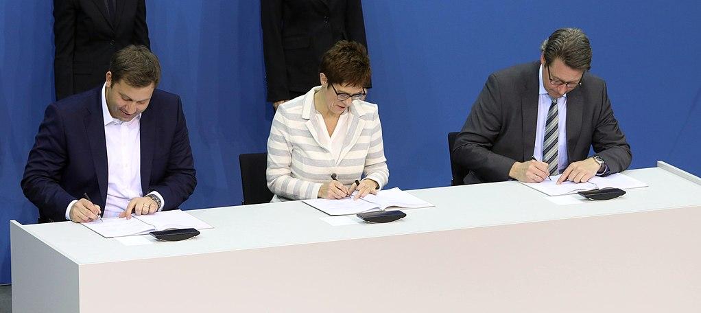 2018-03-12 Unterzeichnung des Koalitionsvertrages der 19. Wahlperiode des Bundestages by Sandro Halank–041.jpg