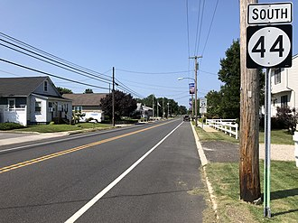 New Jersey Route 44 - View south along Route 44 at CR 653 in Greenwich Township