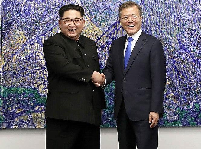 2018 inter-Korean summit 01 (cropped)