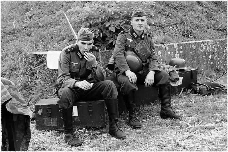 Pendant la 2e guerre 800px-2019-08-17_15-23-09_reconst-histo-Belfort_2