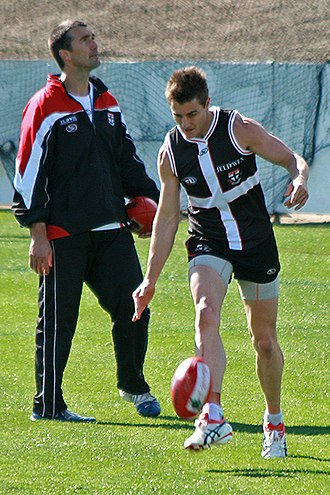 Sam Fisher (footballer) - Fisher at training prior to the 2009 AFL Grand Final under the eye of Assistant Coach Stephen Silvagni