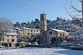 Abbaye Chalaisienne du XIIème siècle au village.jpg