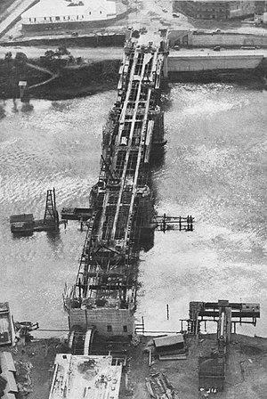 William Jolly Bridge - Aerial view of the Grey Street Bridge during construction, 1931