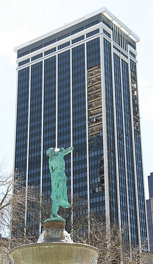 Regions Tower (Indianapolis) - One Indiana Square immediately after the 2006 wind storm, showing the old facade