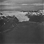 Aialik Glacier, terminus of tidewater glacier and icefield in the background, September 4, 1977 (GLACIERS 6925).jpg