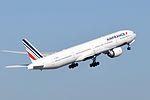 Air France, Boeing 777-328(ER), F-GZNA - CDG (17834003703).jpg