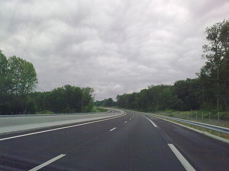 L'autoroute A 65 en construction entre Langon et Pau. Photo prise le dimanche 6 juin 2010. France.