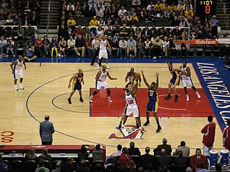 Lakers–Clippers rivalry - Image: Al Thornton guarded by Andrew Bynum