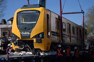 Buenos Aires Underground 300 Series - Image: Alstom 300 Arribo 301 23