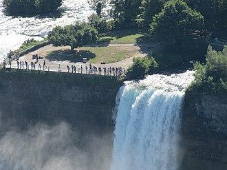 Bridal Veil Falls (Niagara Falls) - Bridal Veil Falls, with Luna Island to the left