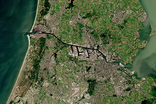 Satellite picture of Amsterdam and North Sea Canal Amsterdam with North Sea Canal by Sentinel-2, 2018-06-30.jpg