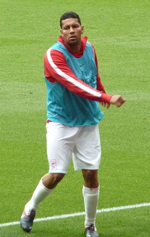 André Santos - Santos warming up for Arsenal before match versus Swansea City in 2011