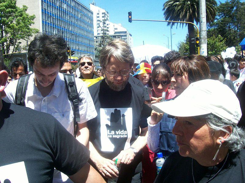 File:Antanas Mockus en la marcha (2242422755).jpg