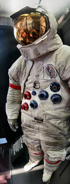 File:Apollo 15 Space Suit David Scott.jpg