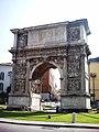 Arco di Traiano-Benevento.JPG