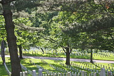 Arlington National Cemetery 2011 2.jpg