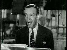 Astaire singing in Second Chorus.jpg