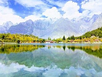 Lower Kachura Lake - Astonishing view of Lower Kachura (Shangri-la) Lake