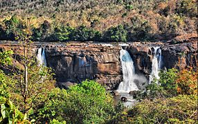 Athirapilly waterfalls.jpg