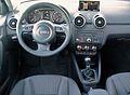 Audi A1 Sportback Ambition 1.6 TDI Scubablau Interieur.JPG