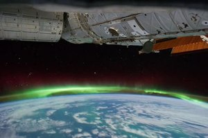파일:Aurora Australis south of Australia.ogv