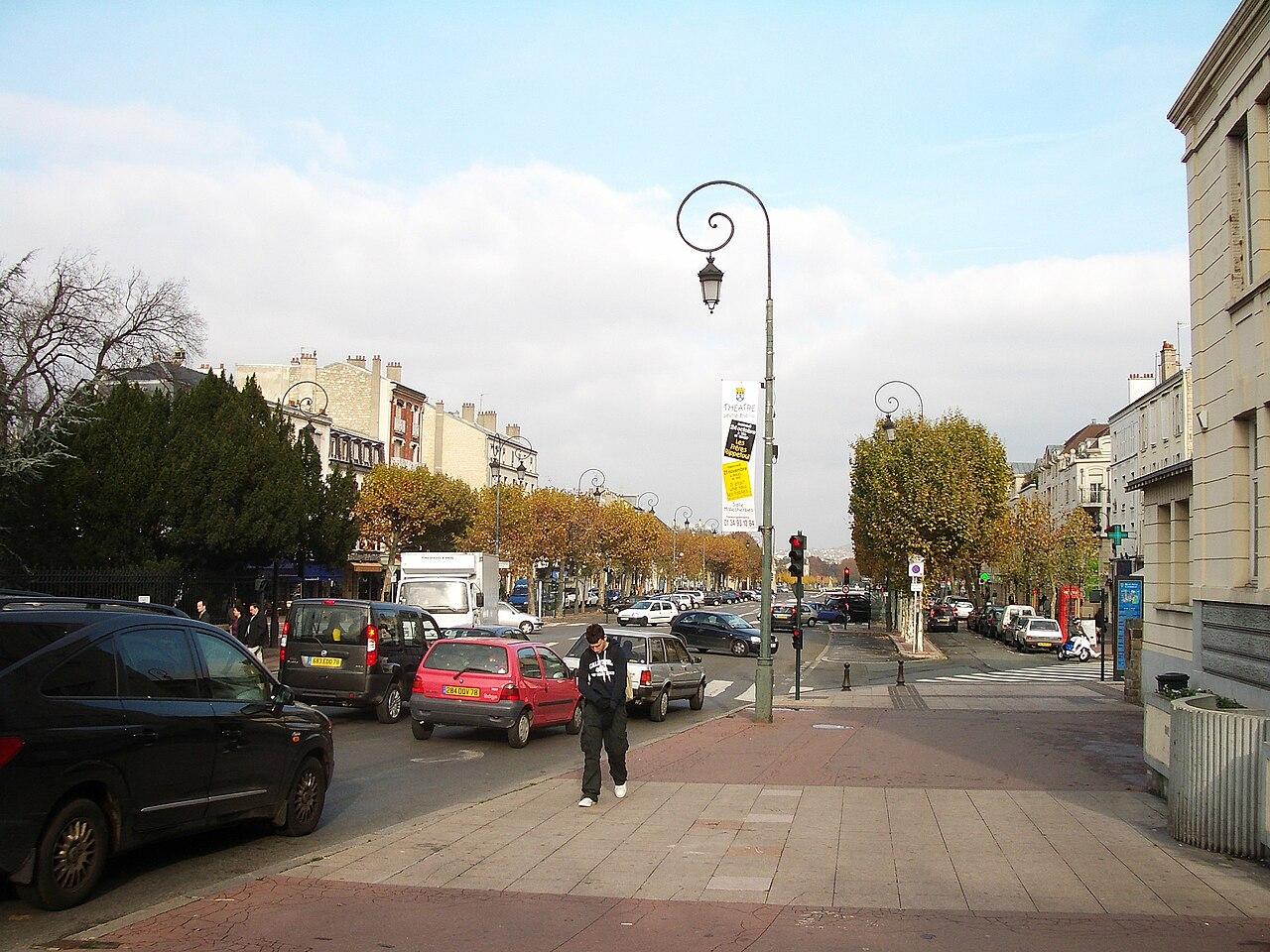File avenue de longueil la ville de maisons laffitte wikimedia com - Maison de la bibliotheque ...