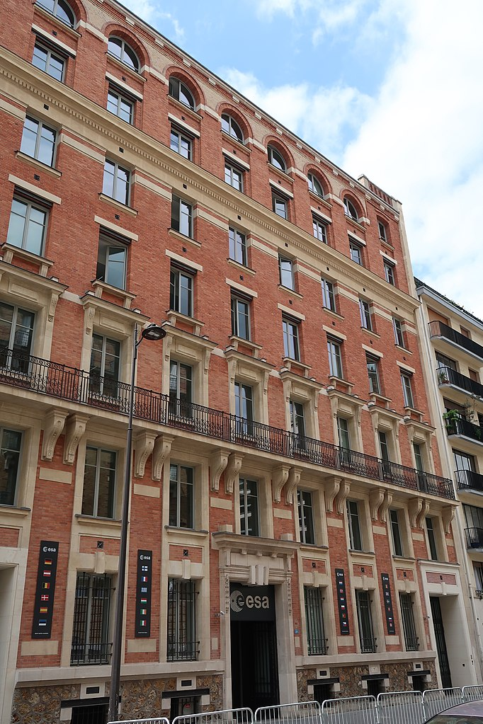 File B U00e2timent De L U0026 39 Agence Spatiale Europ U00e9enne  24 Rue Du