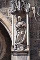 Bad Urach Amanduskirche Skulptur außen 02.jpg