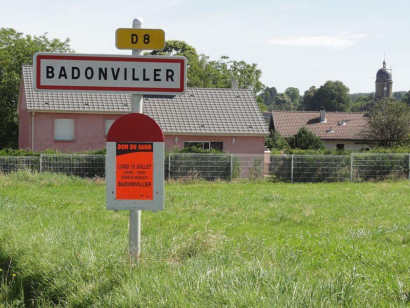 Badonviller (M-et-M) city limit sign