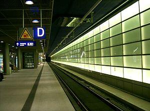 Berlin Potsdamer Platz station - Regional-Express or Deutsche Bahn platform