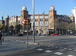 Reforma de la Plaza de Toros Monumental, Barcelona, (1914-1916), junto con I. Mas Morell