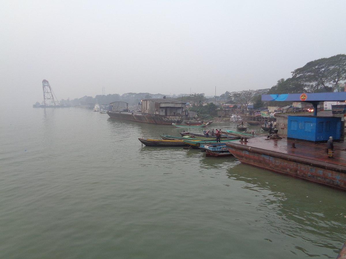 File:Barisal Launch Terminal Beside Kirtonkhola River.JPG ...