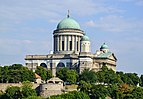 Basilica in Esztergom, Hungary 01.jpg