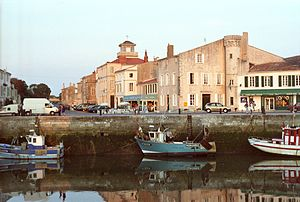 Bateaux de pêche le long du Quai Georges Clémenceau (3).jpg