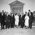 Beëdiging van het kabinet-Van AgtDen Uyl door koningin Beatrix. Eerste rij v.l…, Bestanddeelnr 931-6738.jpg
