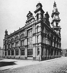 buitenkant van negentiende-eeuws industrieel gebouw
