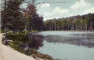 Beechmont, New York - Image: Beechmont Lake