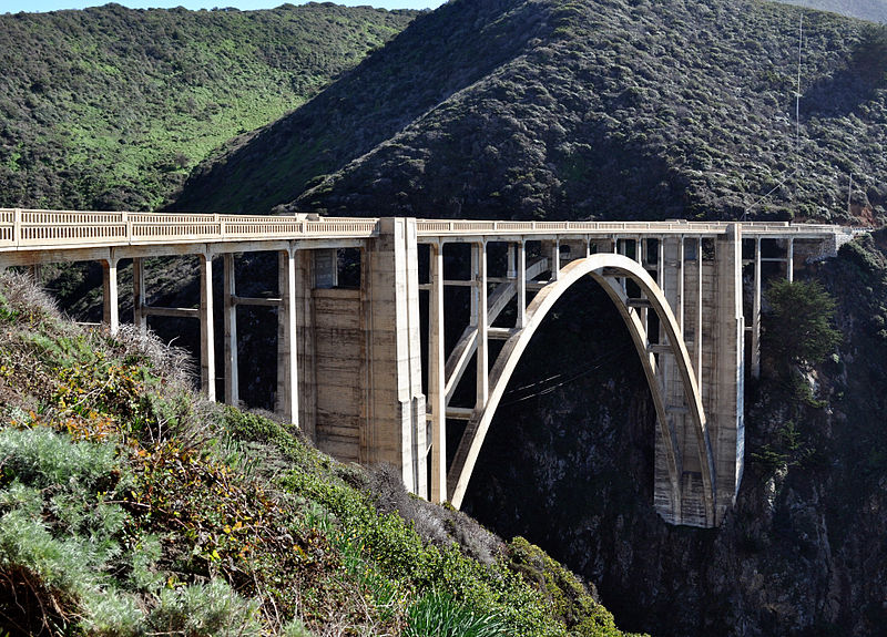 800px-Bixby_Bridge_from_overlook.JPG