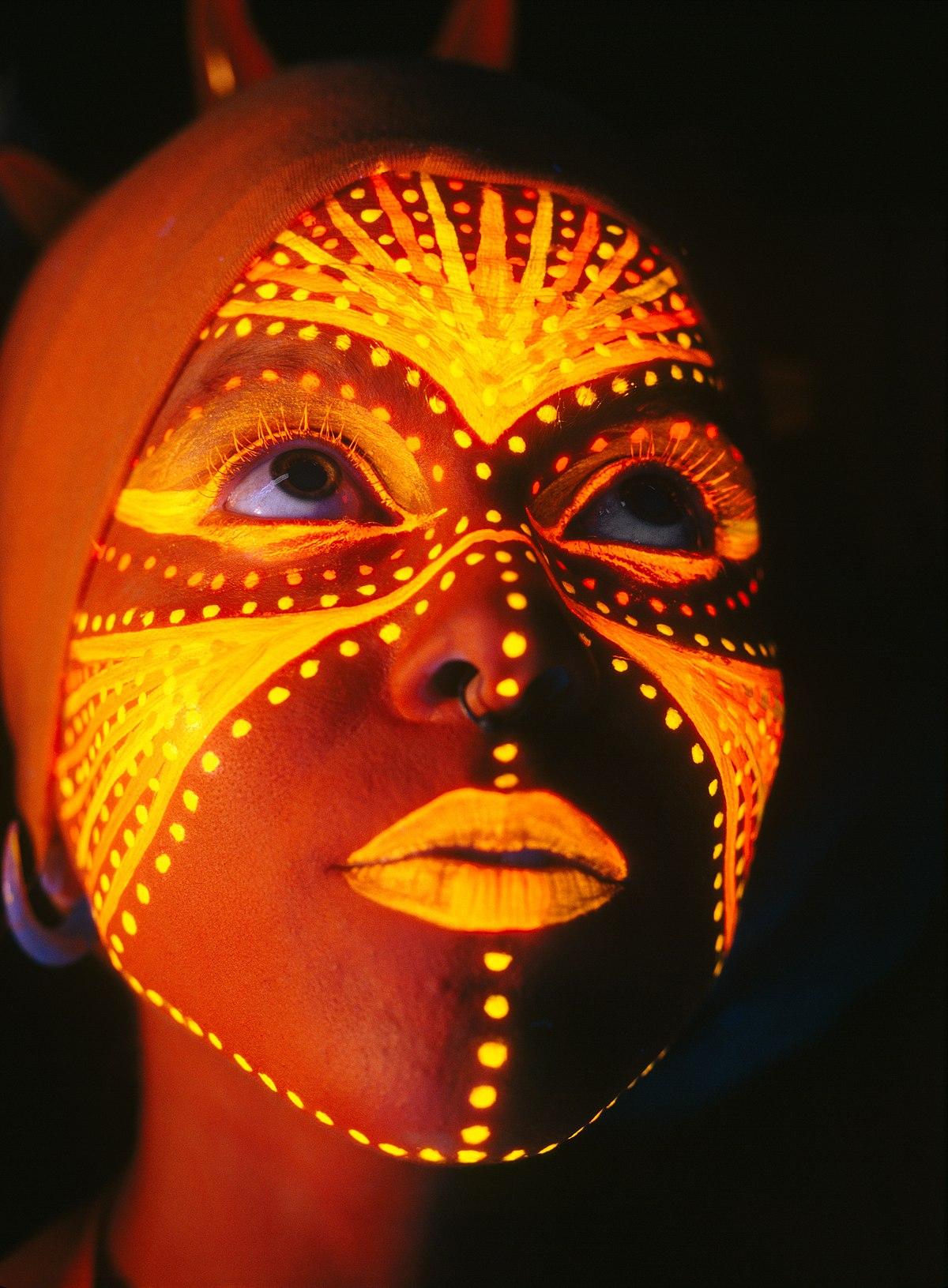 Pintura corporal wikipedia la enciclopedia libre Espectaculo artistico de caracter excepcional