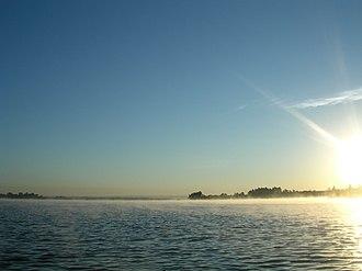 Paranoá Lake - Image: Brasilia Paranoa Lake sun