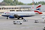 British Airways, G-EUOB, Airbus A319-131 (28166066130).jpg