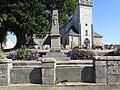 Buhulien. Monument aux Morts.jpg