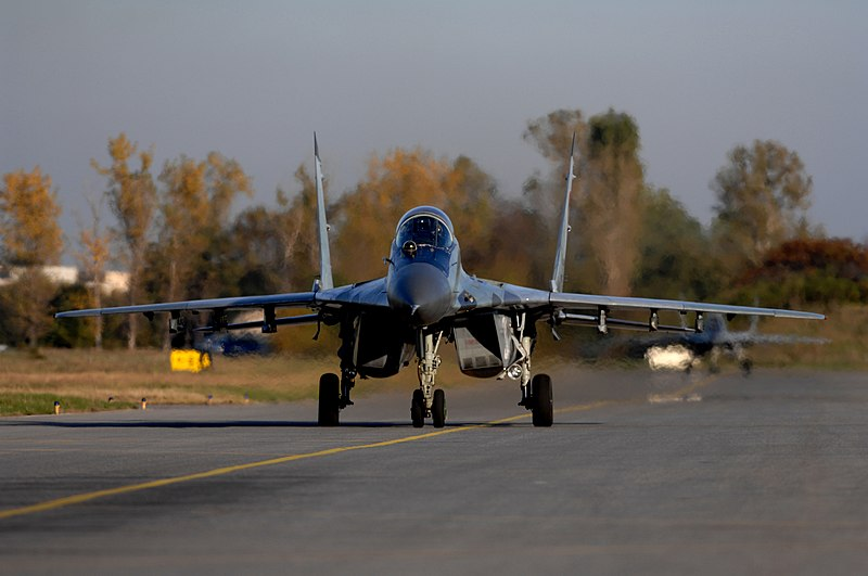 PESAWAT TEMPUR 800px-Bulgarian_MiG-29_Rodopi_Javelin_2007