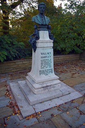 Colne - Memorial to Wallace Hartley in Albert Road