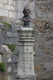 Buste de Louis Thollon à Ambronay.JPG