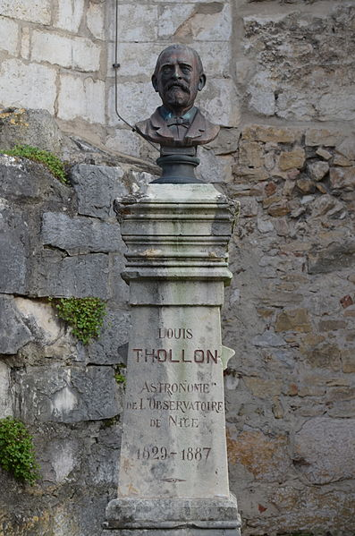 Bust of the astronomer Louis Thollon à Ambronay.