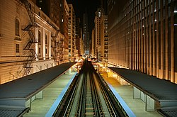 Blick nach Norden von der Elevated Station Adams and Wabash in Chicago