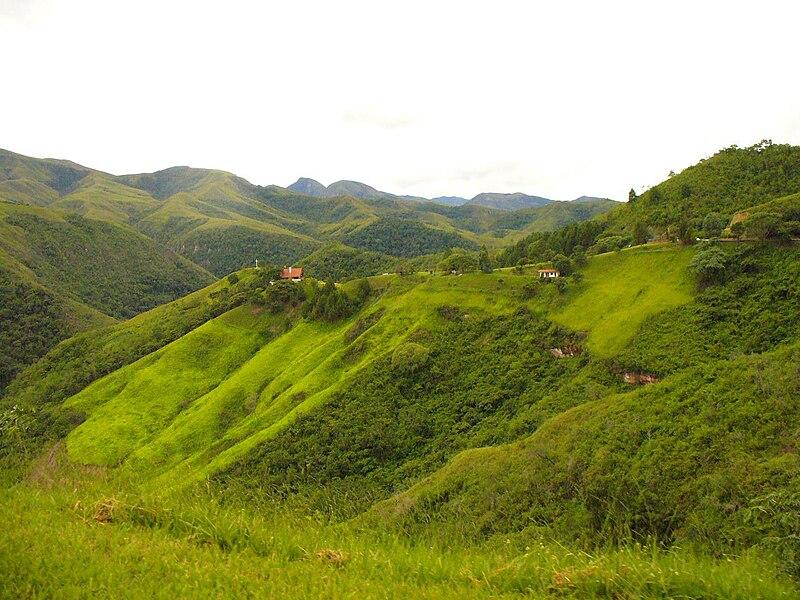 File:Camino a Samaipata Santa Cruz Bolivia.jpg