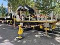 Camion-grue garé rue Desaix à Lyon.jpg